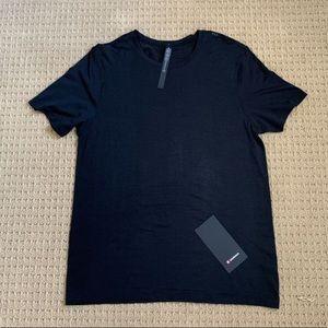 Lululemon Men's Shirt Size L